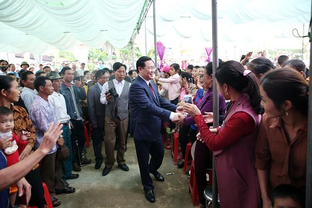 Phó Thủ tướng Vương Đình Huệ  tham dự ngày hội Đại đoàn kết ở Thanh Lương – Nghệ An - Ảnh 1.