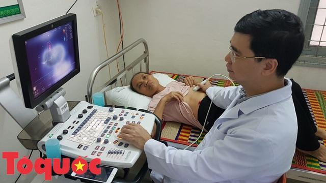 Khám và phát thuốc miễn phí cho người dân có hoàn cảnh khó khăn ở Đà Nẵng - Ảnh 2.