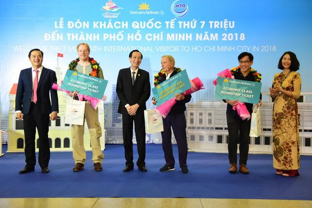 Đón vị khách quốc tế thứ 7 triệu đến TP. Hồ Chí Minh năm 2018 - Ảnh 1.