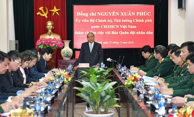 Thủ tướng Nguyễn Xuân Phúc thăm báo Quân đội nhân dân - Ảnh 2.