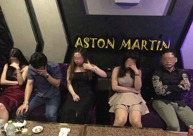 Phê ma túy trong quán karaoke, dân chơi Sài Gòn đưa tiền cho công an mong bỏ qua - Ảnh 2.