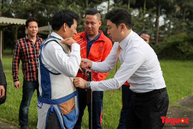 Bộ trưởng Nguyễn Ngọc Thiện gặp mặt, giao lưu cùng xạ thủ 4 lần vô địch Olympic, Jin Jong Oh - Ảnh 4.