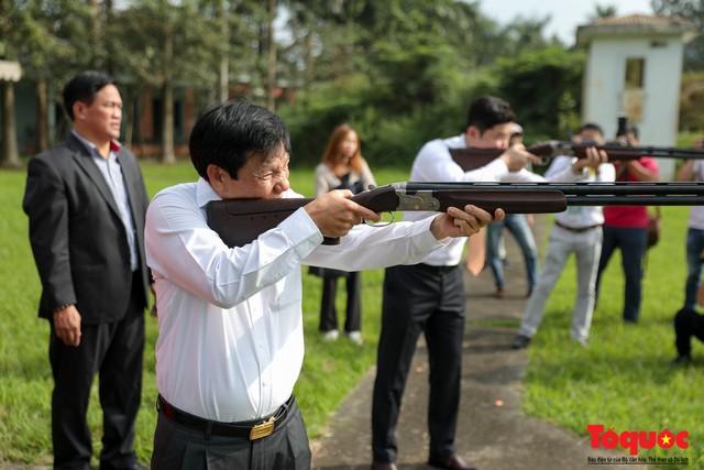 Bộ trưởng Nguyễn Ngọc Thiện gặp mặt, giao lưu cùng xạ thủ 4 lần vô địch Olympic, Jin Jong Oh - Ảnh 5.