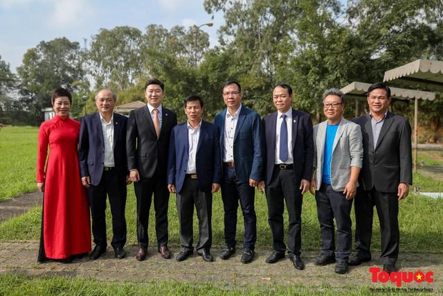Bộ trưởng Nguyễn Ngọc Thiện gặp mặt, giao lưu cùng xạ thủ 4 lần vô địch Olympic, Jin Jong Oh - Ảnh 7.