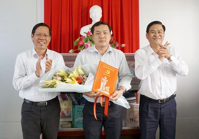 Nhân sự mới các tỉnh Bến Tre, Tuyên Quang, Bắc Ninh, Vĩnh Phúc - Ảnh 1.