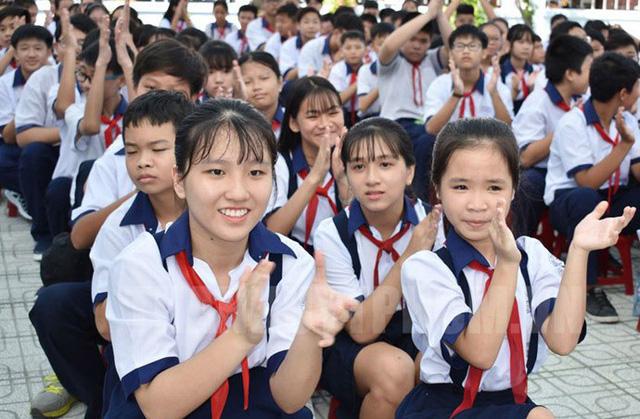TP. Hồ Chí Minh giảm tối đa học phí bậc THCS các trường công lập từ tháng 01/2019 - Ảnh 1.