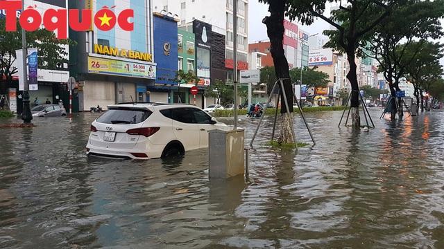 Nhiều giải pháp cấp bách chống ngập úng do mưa lớn ở Đà Nẵng  - Ảnh 1.