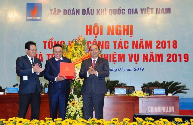 Thủ tướng: PVN cần tìm biện pháp quyết liệt hơn, quyết tâm, ý chí cao hơn, trong cái khó ló cái khôn - Ảnh 1.