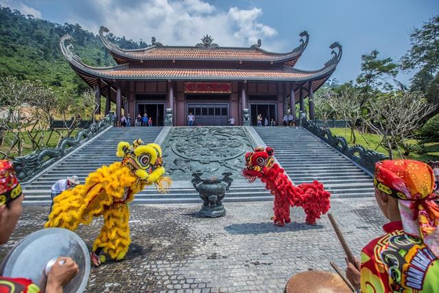 """Độc đáo """"Lễ hội Thần Tài"""" trên núi ở Đà Nẵng - Ảnh 1."""