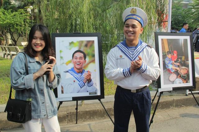 """Triển lãm ảnh """"Nơi đầu sóng"""" tại Đại học Văn hóa Hà Nội - Ảnh 10."""