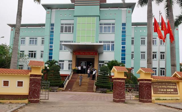 Quảng Bình: Nguyên giám đốc BQL dự án Môi trường và Biến đổi Khí hậu TP Đồng Hới bị khởi tố, bắt tạm giam - Ảnh 1.