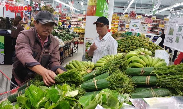 Đặc sản vùng cao vào siêu thị, người dân phấn khởi - Ảnh 7.