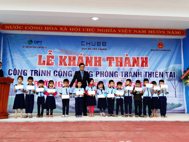 Học sinh vùng rốn lũ Thừa Thiên Huế có trường học mới kiêm chỗ phòng tránh thiên tai - Ảnh 3.
