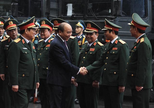 Thủ tướng, Chủ tịch Quốc hội dự lễ kỷ niệm 30 năm Ngày hội Quốc phòng toàn dân và 75 năm Ngày thành lập QĐND Việt Nam - Ảnh 1.