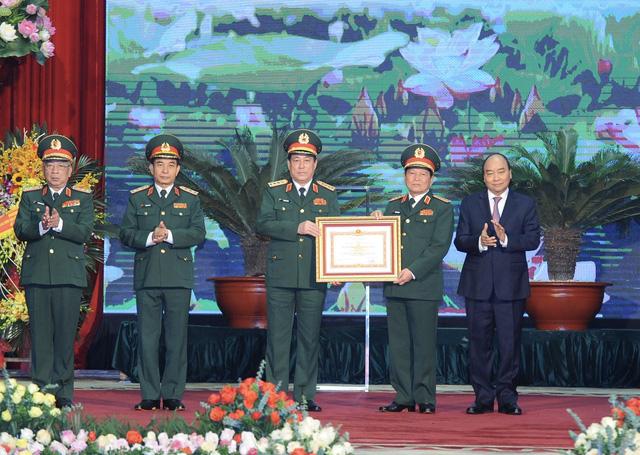 Thủ tướng, Chủ tịch Quốc hội dự lễ kỷ niệm 30 năm Ngày hội Quốc phòng toàn dân và 75 năm Ngày thành lập QĐND Việt Nam - Ảnh 3.