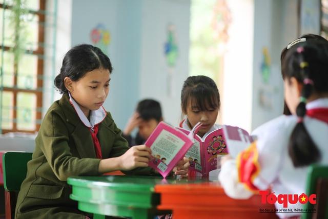 """Chỉ còn 6 tháng để các địa phương hoàn thành 100% mục tiêu Đề án """"Xây dựng xã hội học tập giai đoạn 2012-2020"""" - Ảnh 1."""