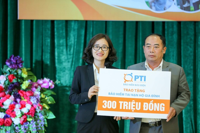 PTI trao tặng 1.500 suất bảo hiểm cho người dân Hà Tĩnh  - Ảnh 1.