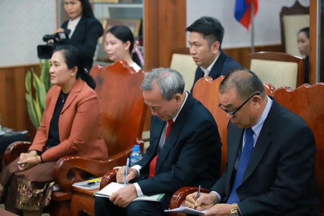 Hội đàm giữa Bộ trưởng Bộ VHTT&DL VN và Bộ trưởng Bộ GD&TT Lào. - Ảnh 4.