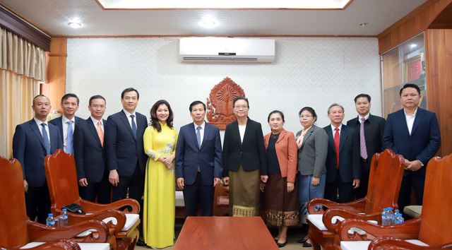 Hội đàm giữa Bộ trưởng Bộ VHTT&DL VN và Bộ trưởng Bộ GD&TT Lào. - Ảnh 7.