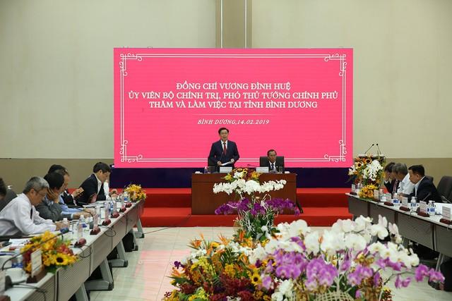 Phó Thủ tướng: Bình Dương phải trở thành một trung tâm kinh tế  - Ảnh 1.