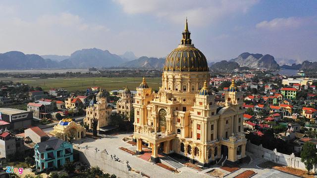 Lâu đài Thành Thắng của đại gia Gia Viễn, Ninh Bình - Ảnh 1.