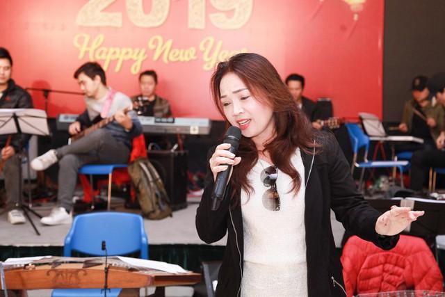Các nghệ sĩ hăng say tập luyện để biểu diễn cho Hội nghị thượng đỉnh Mỹ - Triều - Ảnh 5.