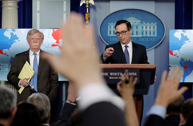 Mỹ gay gắt Nga, Cuba về biến động Venezuela - Ảnh 1.