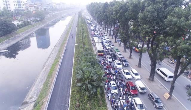 Hà Nội mở tuyến đi bộ ven sông Tô Lịch - Ảnh 1.