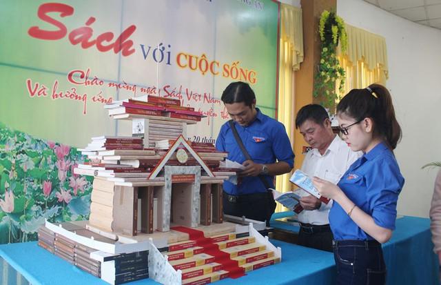 Đa dạng hoạt động tại Ngày sách Việt Nam tỉnh Bắc Ninh năm 2019 - Ảnh 1.