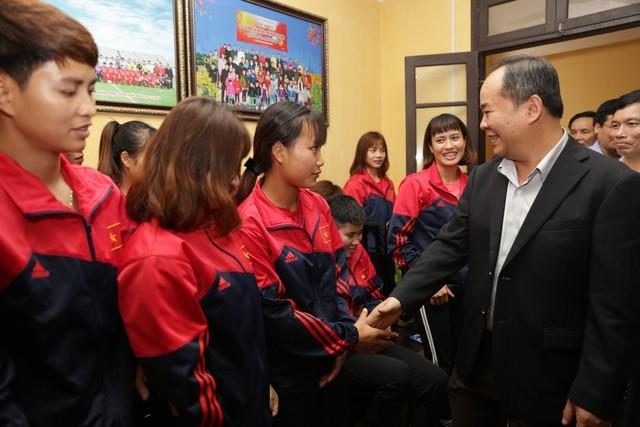 Nghiên cứu thành lập Trung tâm đào tạo bóng đá nữ trẻ tại Hà Nam - Ảnh 2.