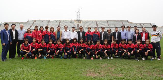 Nghiên cứu thành lập Trung tâm đào tạo bóng đá nữ trẻ tại Hà Nam - Ảnh 4.