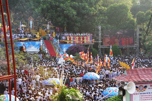Nhiều hoạt động văn hóa, nghệ thuật, tâm linh tại lễ hội Quán Thế Âm  - Ảnh 1.