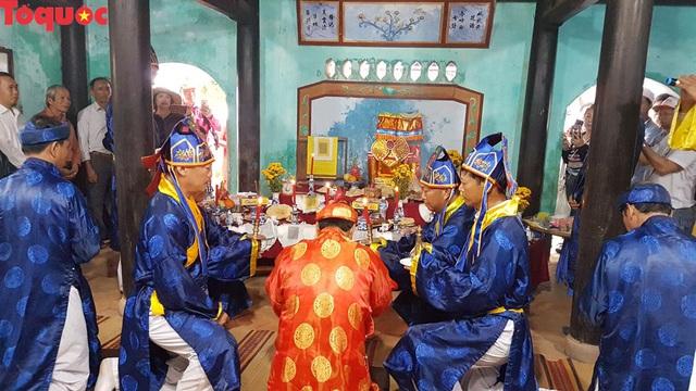 Độc đáo giỗ tổ nghề yến sào Cù Lao Chàm - Ảnh 2.
