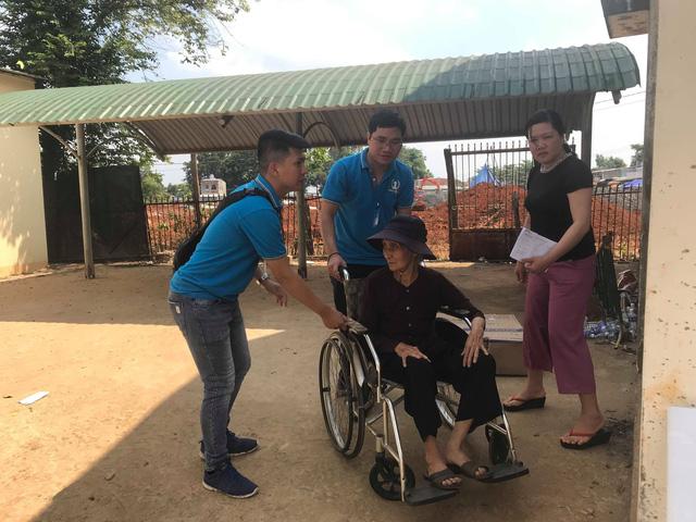 Bảo Việt Nhân thọ khám bệnh miễn phí và tặng quà cho 500 người nghèo, gia đình có công với Cách mạng tại tỉnh Bình Phước - Ảnh 2.