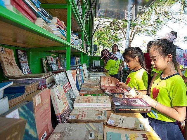Tổ chức Đường phố sách 2019 tại quảng trường Hồ Chí Minh - Ảnh 1.
