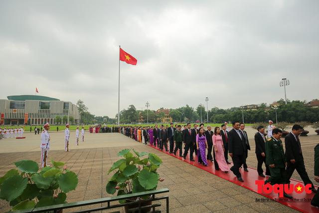 Lãnh đạo Đảng, Nhà nước vào Lăng viếng Chủ tịch Hồ Chí Minh trước kỳ họp Quốc hội - Ảnh 7.