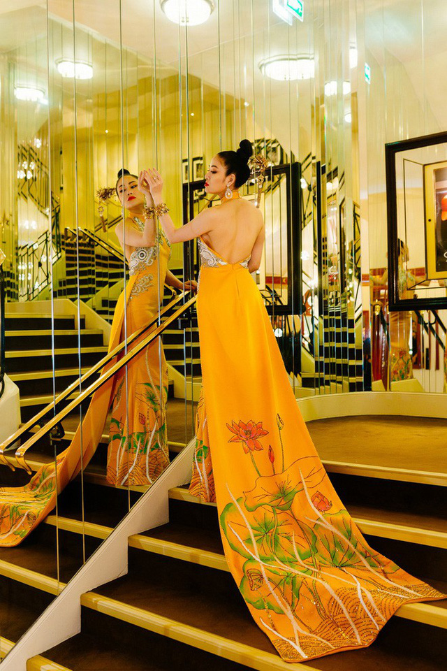 Hoa hậu Tuyết Nga tại Cannes: Tự hào khi khoác lên mình bộ trang phục mà nhìn vào có thể biết tôi là người Việt Nam - Ảnh 8.