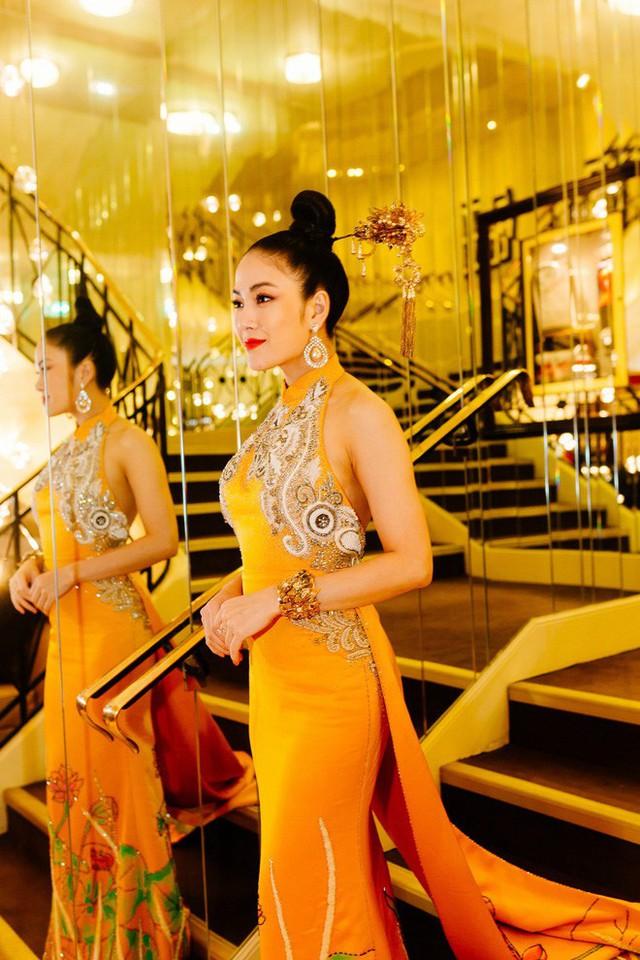 Hoa hậu Tuyết Nga tại Cannes: Tự hào khi khoác lên mình bộ trang phục mà nhìn vào có thể biết tôi là người Việt Nam - Ảnh 9.