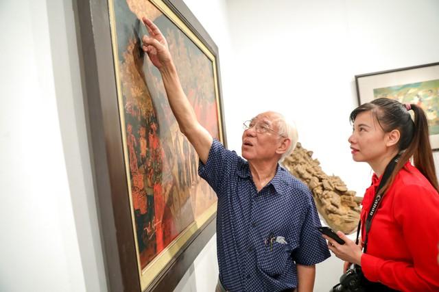Những bức tranh tái hiện kí ức hào hùng của chiến thắng lịch sử Điện Biên Phủ sau 65 năm - Ảnh 8.