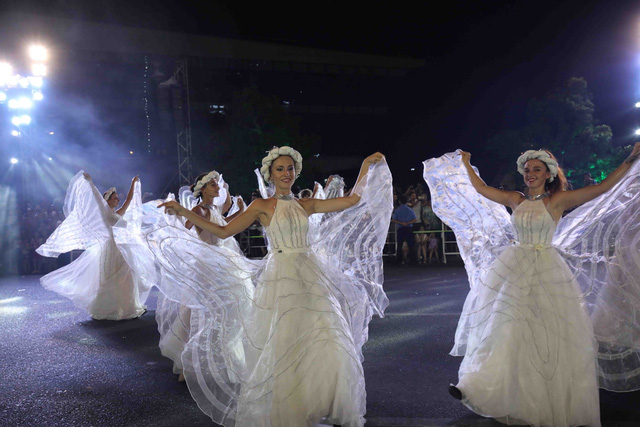 Đà Nẵng bùng nổ với các vũ điệu carnival đường phố tối 23/6 - Ảnh 6.