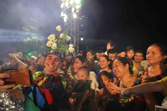 Đà Nẵng bùng nổ với các vũ điệu carnival đường phố tối 23/6 - Ảnh 8.