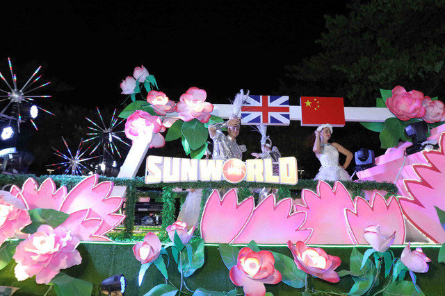 Đà Nẵng bùng nổ với các vũ điệu carnival đường phố tối 23/6 - Ảnh 10.