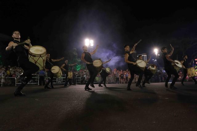Đà Nẵng bùng nổ với các vũ điệu carnival đường phố tối 23/6 - Ảnh 12.