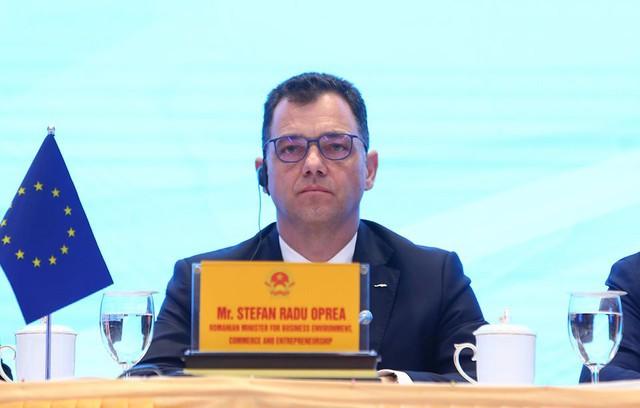 Bộ trưởng Trần Tuấn Anh: Ký kết EVFTA, xuất khẩu và GDP của Việt Nam sẽ tăng trưởng mạnh mẽ  - Ảnh 4.