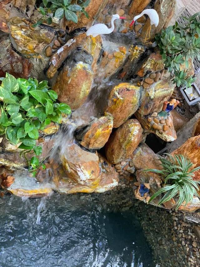 Căn biệt thự ngập tràn hoa và cây ăn quả của nữ ca sĩ Vy Oanh - Ảnh 9.