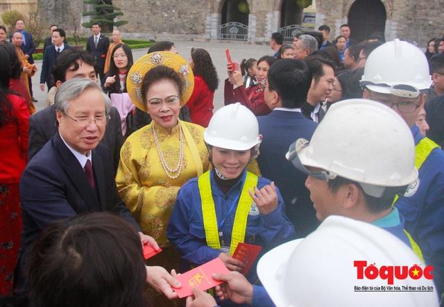 Lãnh đạo Đảng, Nhà nước, dâng hương, trồng cây đầu xuân tại Hoàng Thành Thăng Long - Ảnh 13.