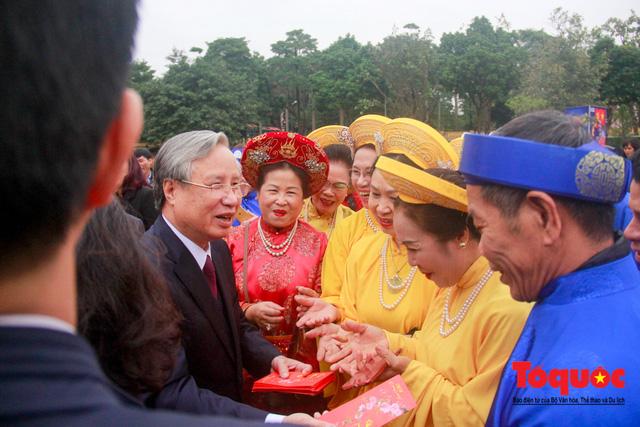 Lãnh đạo Đảng, Nhà nước, dâng hương, trồng cây đầu xuân tại Hoàng Thành Thăng Long - Ảnh 12.