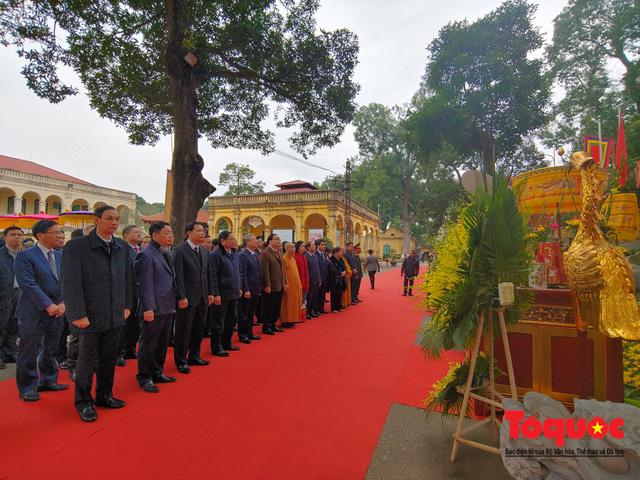Lãnh đạo Đảng, Nhà nước, dâng hương, trồng cây đầu xuân tại Hoàng Thành Thăng Long - Ảnh 2.