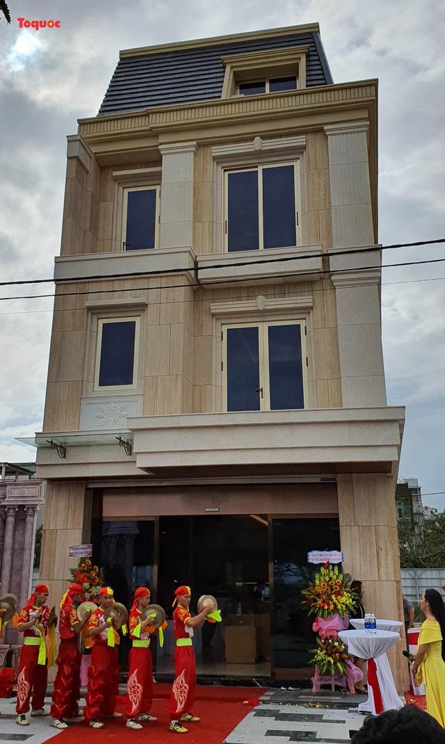 Ngày 3/1, Đất Xanh Miền Trung chính thức khai trương căn shophouse 6 sao đầu tiên thuộc dự án Le Pavillon tọa lạc tại quận Hải Châu, TP Đà Nẵng.