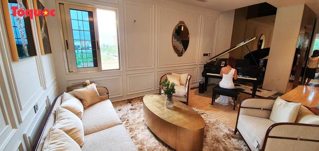 Regal Le Pavillon House thuộc chuỗi Regal Houses; đơn vị quản lý vận hành và khai thác cho thuê: Công ty TNHH MTV Smart Property. Nhà phát triển dự án: Công ty CP Đất Xanh Miền Trung.